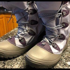 Teva boots size 7